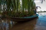 Lone Mekong boatwoman
