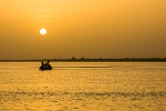 Navigating the Niger river