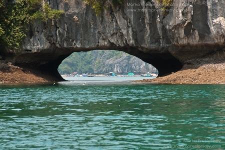 Grand sea arch